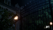 Teen Wolf Season 3 Episode 20 Echo House Eichen House.png