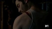 Teen Wolf Season 3 Episode 22 De Void Derek's wound
