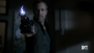Teen Wolf Season 3 Episode 3 Fireflies JR Bourne Chris Argent Shock Stick