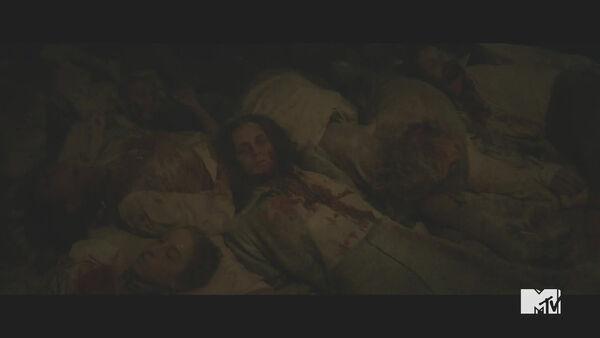 Teen-Wolf-Season-5-Episode-18-Maid-of-Gevaudan-bodies.jpg