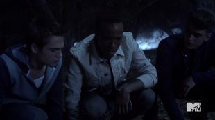 Teen Wolf Season 5 Episode 3 Dreamcatcher Liam Mason Brett investigate