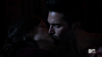 Teen Wolf Season 3 Episode 6 Motel California Haley Webb Tyler Hoechlin Jennifer Blake Derek Hale First Kiss