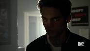 Teen Wolf Season 5 Episode 10 Status Asthmaticus Liam glowwing eyes