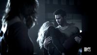 Teen Wolf Season 3 Episode 3 Fireflies Tyler Hoechlin Derek Hale Erica's body