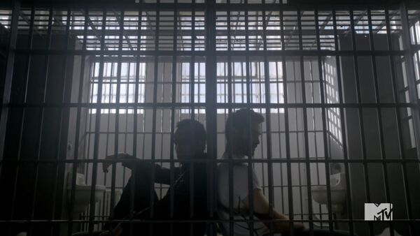 Teen Wolf Season 3 Episode 20 Echo House Tyler Hoechling JR Bourne Derek Hale Chris Argent In Jail.jpg