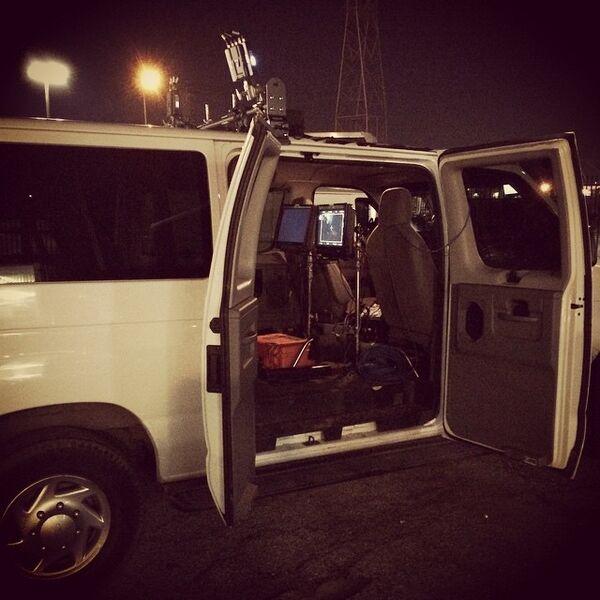 Teen Wolf Season 5 Behind the Scenes follow van 6th Street Bridge location 030515.jpg