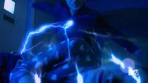 Teen Wolf Season 5 Episode 5 Kira shocks Scott