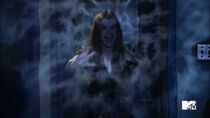 Holland-Roden-Lydia-Banshee-scream-Teen-Wolf-Season-6-Episode-10-Riders-on-the-Storm