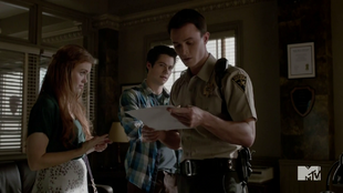 Teen Wolf Season 4 Episode 6 Orphaned Lydia and Stiles show Parrish his name