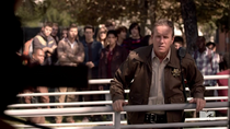 Teen Wolf Season 3 Episode 19 Letharia Vulpina Sheriff and onlookers