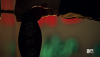 Teen Wolf Season 3 Episod 6 Motel California Glen Capri room key