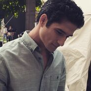 Teen Wolf Season 5 Behind the Scenes Tyler Posey greets students at Pali 021115