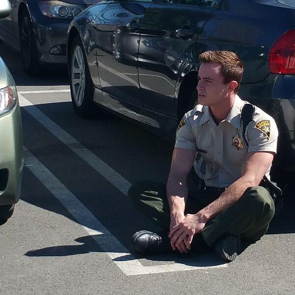 Teen Wolf Season 5 Behind the Scenes Ryan Kelley unknown location 022415.jpg