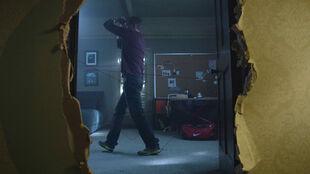 Linden-Ashby-Sheriff-Stilinski-stringing-up-room-Teen-Wolf-Season-6-Episode-8-Blitzkrieg