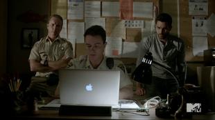 Teen Wolf Season 4 Episode 4 The Benefactor Sheriff, Parrish and Derek hack the glove