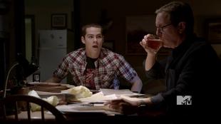 Stiles gets dad drunk