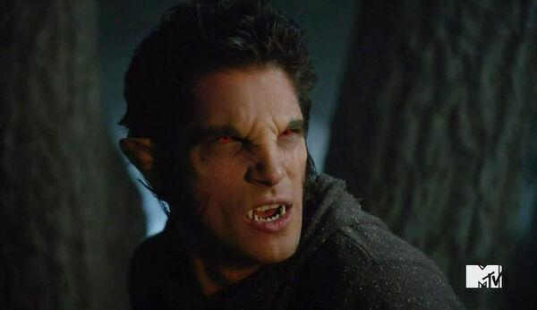 Tyler-Posey-Werewolf-Teen-Wolf-Season-6-Episode-Riders-on-the-Storm-Wikia.jpg