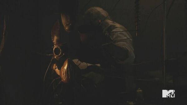 Teen-Wolf-Season-5-Episode-20-Beast-of-Beacon-Hills-Marcel-works-Dread-mask.jpg
