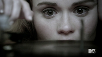 Teen Wolf Season 4 Episode 5 IED Lydia Listens close