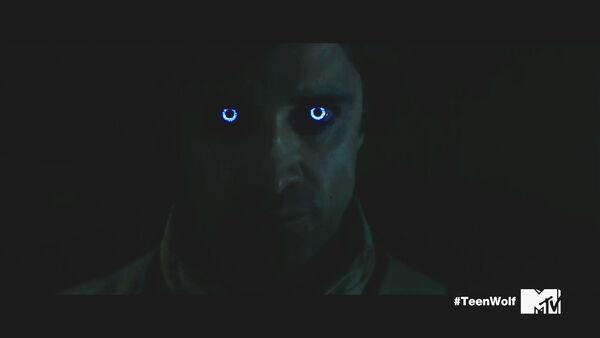 Teen-Wolf-Season-5-Episode-18-Maid-of-Gevaudan-Sebastian-eyes.jpg