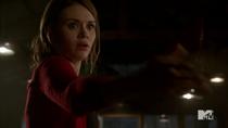 Teen Wolf Season 4 Episode 8 Time of Death Lydia throws mountain ash