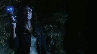 Melissa-Ponzio-Melissa-McCall-with-taser-Teen-Wolf-Season-6-Episode-4-Relics
