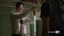 Teen Wolf Season 5 Episode 14 The Sword and the Spirit Ken detaching KIra's sword
