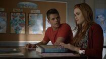 Teen Wolf Season 3 Episode 16 Illuminated Holland Roden Max Carver Lydia Martin Aiden Biology Class