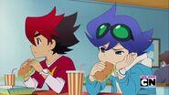 Guren and Ceylan eating lunch