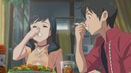 Hina and Hodaka eat lunch together