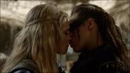 Clexa kiss