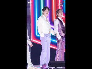 -BANGTAN BOMB- 'Dynamite' Stage CAM (V focus) @ 2020 AMAs - BTS (방탄소년단)