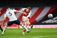 Arsenal v Tottenham Hotspur (2020-21).4