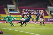 Burnley v Arsenal (2020-21).3