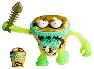The-grossery-gang-series-4-bug-strike-action-figure-trash-head--7B38925B.pt01.zoom