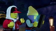 "Screenshotter--SinkorSwimLEGOHiddenSide2019Episode2-1'18"""