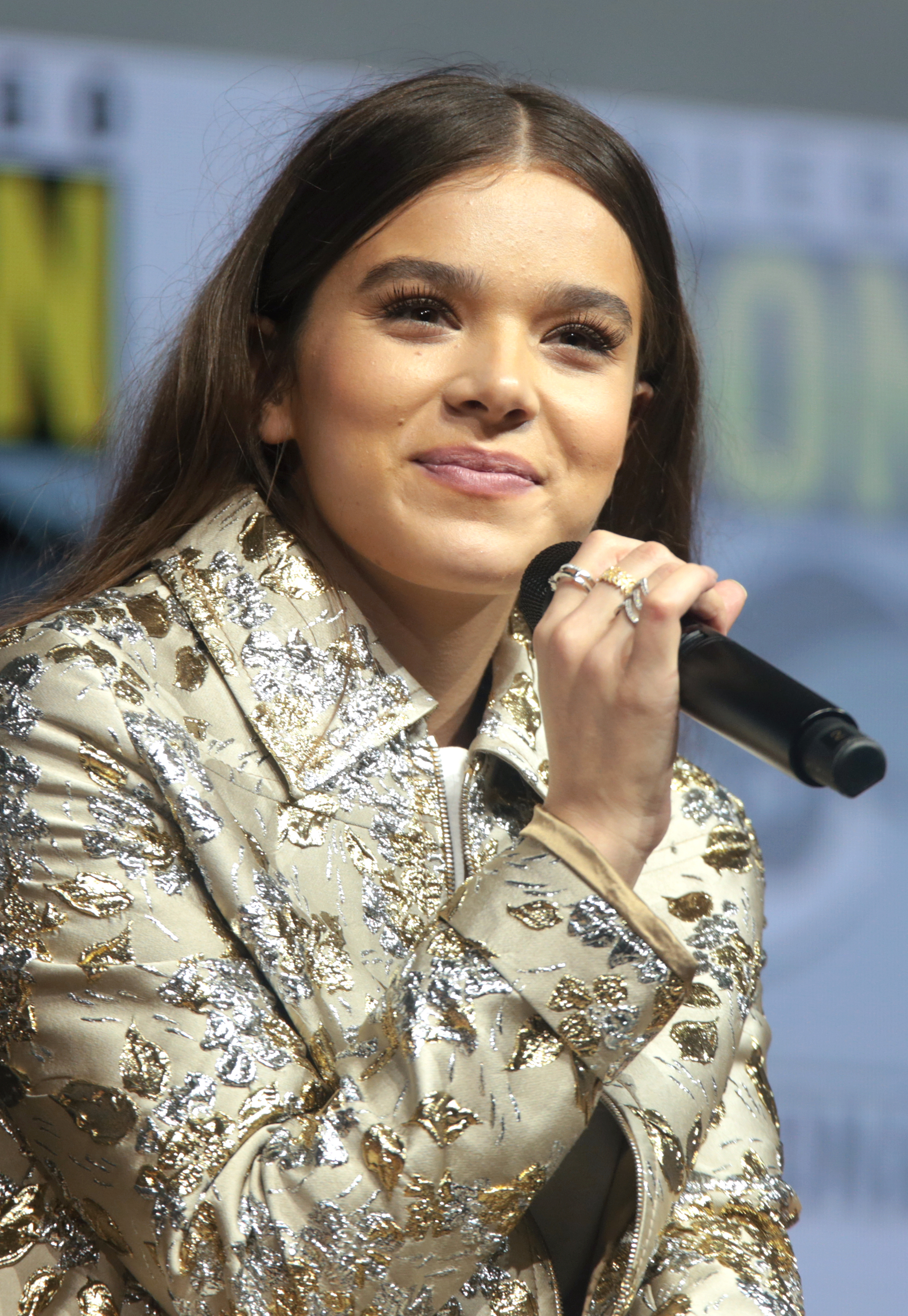 Hailee Steinfeld The Jh Movie Collection S Official Wiki Fandom