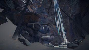 Пещера узкого обрыва