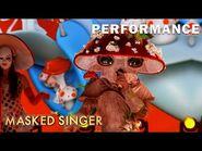 "Mushroom sings ""Valerie"" by Amy Winehouse - THE MASKED SINGER - SEASON 4"