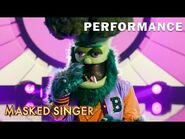"""Broccoli sings """"Old Time Rock and Roll"""" by Bob Seger - THE MASKED SINGER - SEASON 4"""