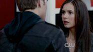 Elena conhece stefan
