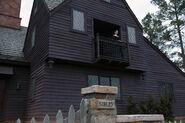 Salem-Promo-Still-S1E03-10-Mary-House-Seven-Gables