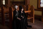 Salem-Promo-Still-S1E06-11-Mary and Rose 05