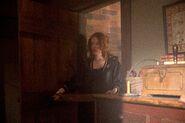 Salem-Promo-Still-S3E07-11-Anne 01