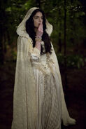 Salem-Promo-Stills-S2E12-07-Mary in White (detail)