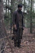 Salem-Promo-Still-S01E08-34-Isaac