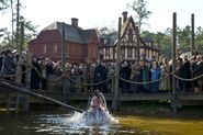 Salem-Promo-Still-S01E08-24-Dunking Chair Mab Cotton Alden Anne Gloriana