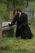Salem-Promo-Still-S1E09-07-Cotton Mather Cemetery 03