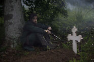 Salem-Promo-Stills-S2E13-11-Isaac Dollie Grave