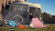 S02E40 - Bus Crash